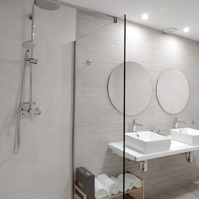 hotel-envero-bano-7-650x650px